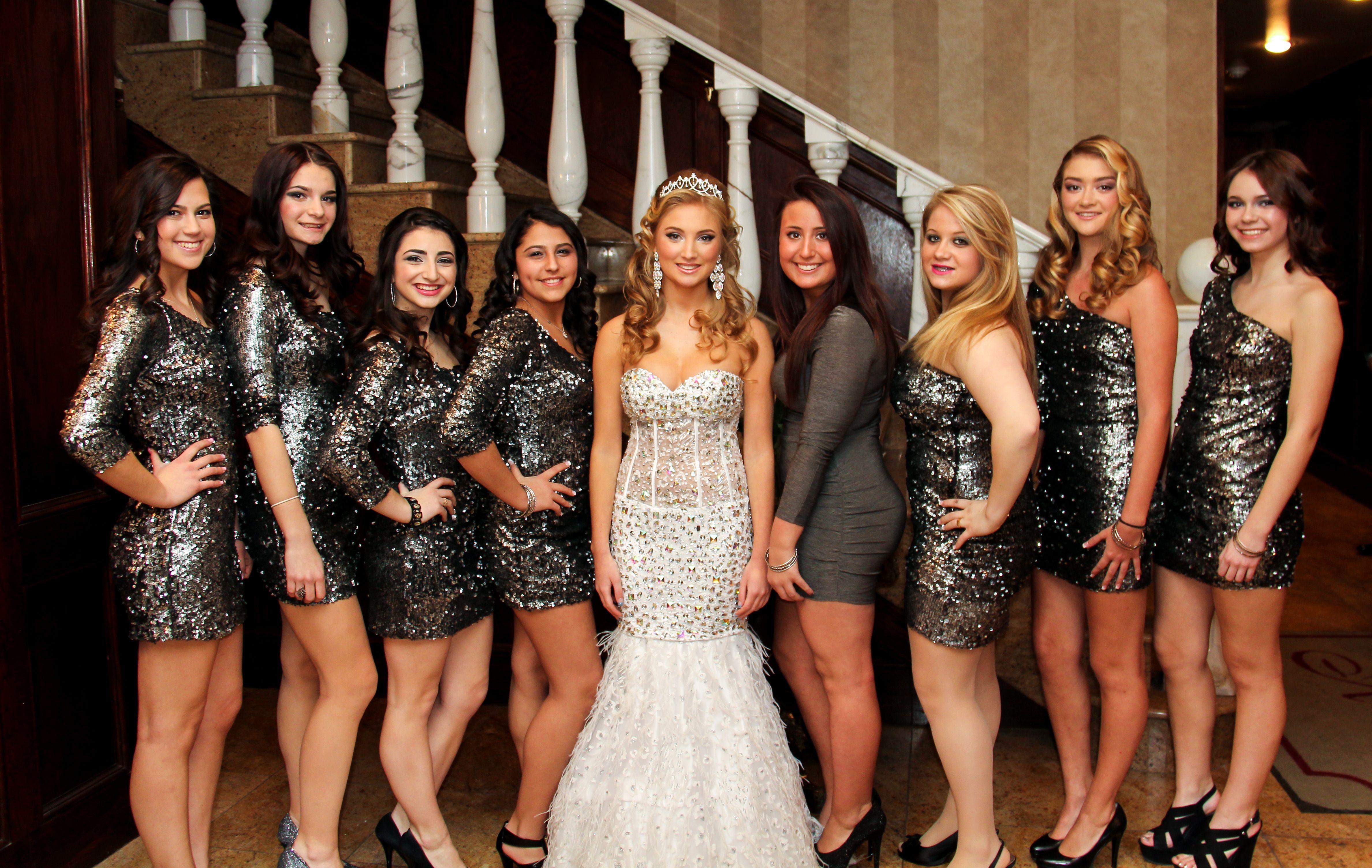 girls-club-prom-girls-galleries-toplesz-emo